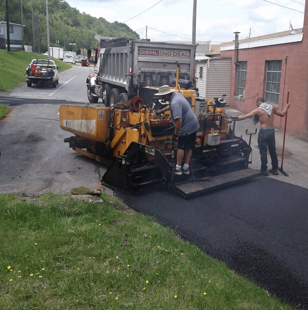 How To Choose the Right Contractor For Your Paving Projects 2